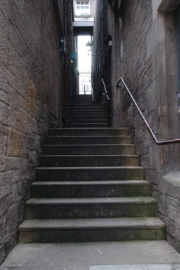 Edinburgh alley steps